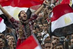 النصف الآخر من 2019.. أزمات وهزائم تلاحق تحالف الثورات المضادة