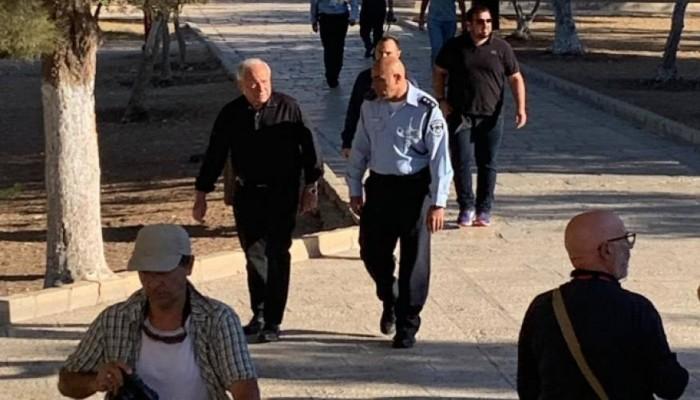 اقتحامات جديدة للأقصى واعتقال وزير شئون القدس وإضراب الأسرى يتصاعد