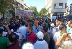 الجزائريون يتظاهرون للجمعة الـ32 ومطالب بإطلاق المعتقلين