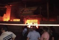 متظاهرون عراقيون يحرقون مكاتب أحزاب سياسية جنوب البلاد