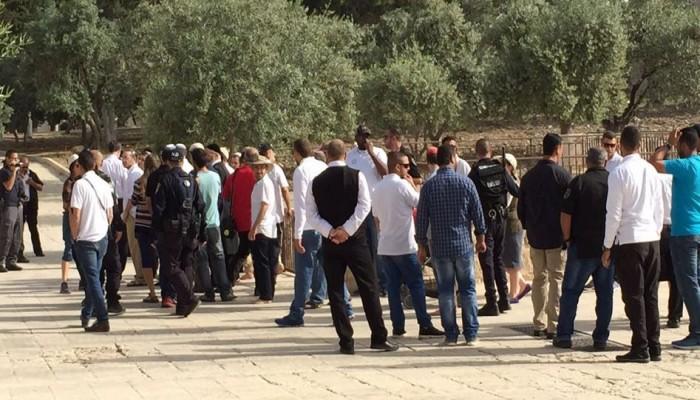 مئات الصهاينة يقتحمون الأقصى واعتقال 5 بحملة مداهمات بالضفة والقدس