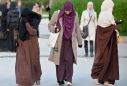 """وزير فرنسي: """"يجب حظر الحجاب لأنه يتعارض مع قيمنا""""!"""