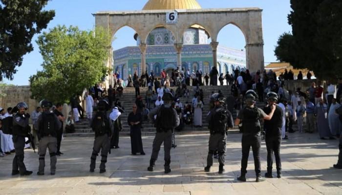 مئات الصهاينة يقتحمون المسجد الأقصى صباح اليوم