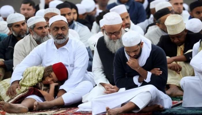 جامعة فرنسية توزع استمارة للإبلاغ عن المسلمين!
