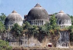 """على طريقة """"بابري"""" وغيره.. مساجد تتحول إلى معابد هندوسية بالهند!"""
