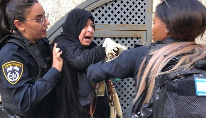 صهاينة يقتحمون الأقصى وقوات الاحتلال تعتدي على المرابطين