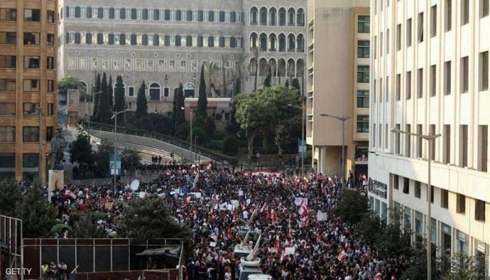 مظاهرات لبنان تدخل يومها الرابع.. والآلاف يتوافدون على بيروت