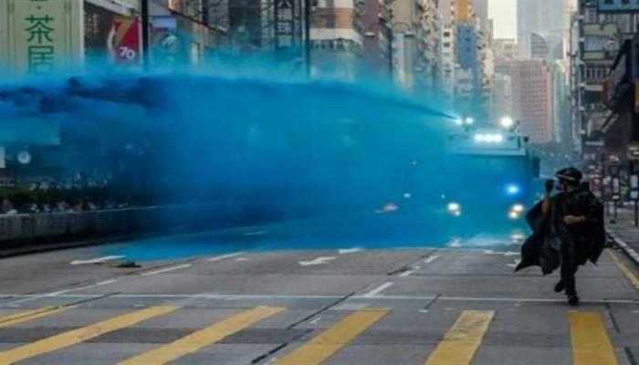 """زعيمة هونج كونج تعتذر للمسلمين على إطلاق """"مياه ملونة"""" على مسجد"""