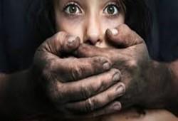 الابتزاز الجنسي للأطفال القُصّر.. بين وحشية الأنظمة وسحر الإنترنت