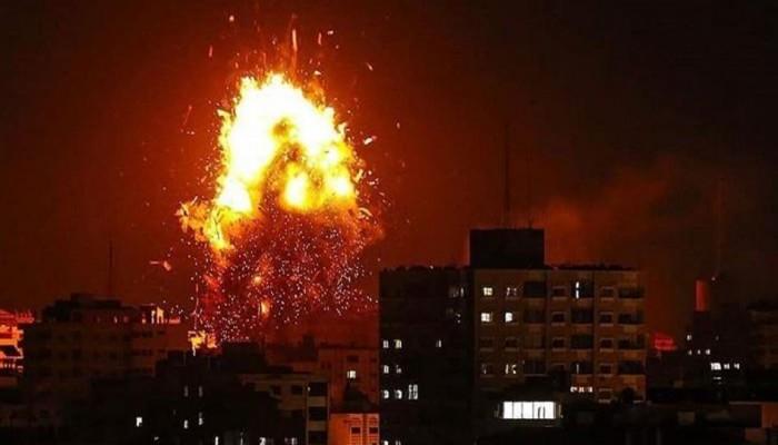 غارات على مواقع المقاومة وبحرية الاحتلال تطلق النار صوب الصيادين في بحر غزة