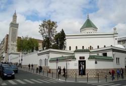"""مسلمو فرنسا يستنكرون استغلال """"الإسلاموفوبيا"""" في المعارك الانتخابية"""
