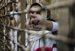 الحرائر يدخلن إضرابًا جزئيًّا واستغاثة لوقف إعدام شاب بالإسماعيلية