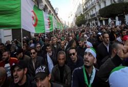 مظاهرات حاشدة في الجمعة الـ46 للحراك الجزائري للمطالبة برحيل العسكر