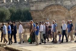 صهاينة يقتحمون الأقصى.. وتنسيق فلسطيني أردني لحماية القدس