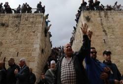 حماس تحذر من تبعات الاعتداءات الصهيونية على الأقصى وتدعو إلى جمعة حاشدة