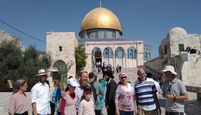 الاحتلال يهدم بيوت فلسطينيين بالضفة واقتحامات للأقصى واعتقالات بجنين