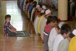 لا تغلقوها في وجوههم.. دعوا أطفالكم يدخلوا المساجد ويحبوها