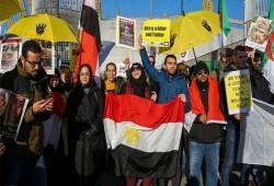 متظاهرون ينددون بزيارة السيسي للندن ويطالبون باعتقاله