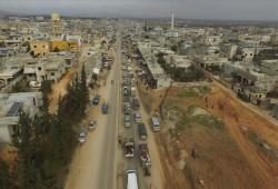 خلال 24 ساعة.. نزوح 39 ألفا من إدلب نحو الحدود التركية