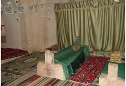 مليشيات بشار الأسد تحرق ضريح الخليفة عمر بن عبد العزيز (صور)