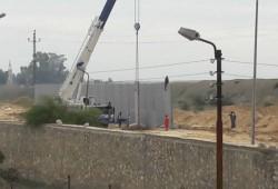 الانقلاب يشرع في إقامة جدار خرساني على حدود غزة