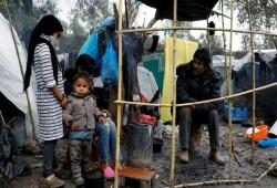 الجارديان: تعامل الحكومة اليونانية مع اللاجئين السوريين غير إنساني