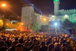 """حشود """"الفجر العظيم"""" تتواصل وإصابة 90 فلسطينيا في الضفة"""