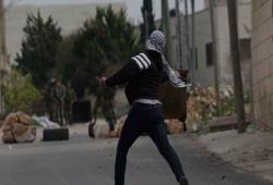 اعتقالات واستشهاد فلسطيني وإصابة العشرات في الضفة