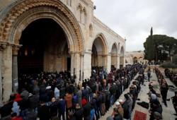 """""""أوقاف القدس تبدأ بتعقيم الأقصى قبل الصلوات وبعدها"""