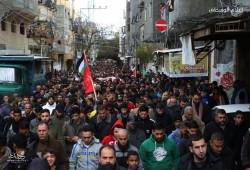 """20 ألفا يصلون الجمعة بالأقصى وتشييع جثامين ضحايا حريق """"النصيرات"""""""