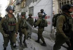 الاحتلال يشن حملة اعتقالات بالضفة و إصابات في اعتداءات بنابلس
