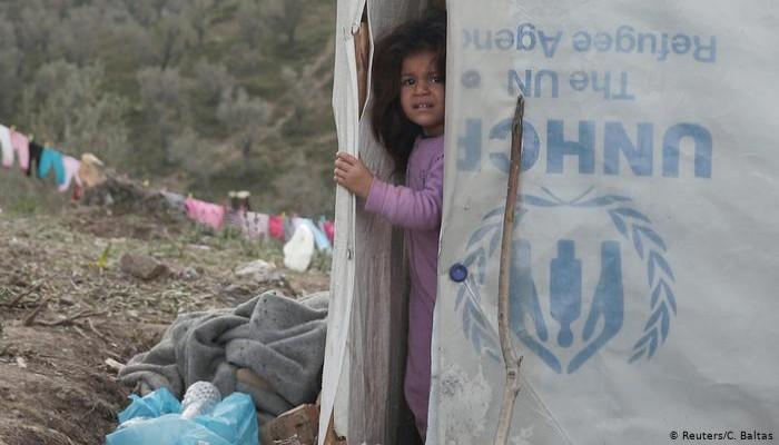 """""""لا تتركوا أحدا على الحدود"""".. حملة تضامنية مع اللاجئين على حدود اليونان"""