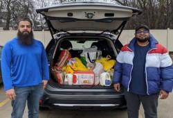 """مساجد أمريكا توصل الأغذية لكبار السن بعدة ولايات لوقايتهم من """"كورونا"""""""