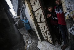 """منظمات حقوقية تحذر من تفشي فيروس """"كورونا"""" في غزة"""