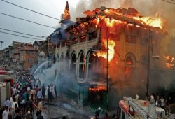 """رغم العنف الوحشي على يد الهندوس.. """"كورونا"""" يهدد المسلمين في الهند"""