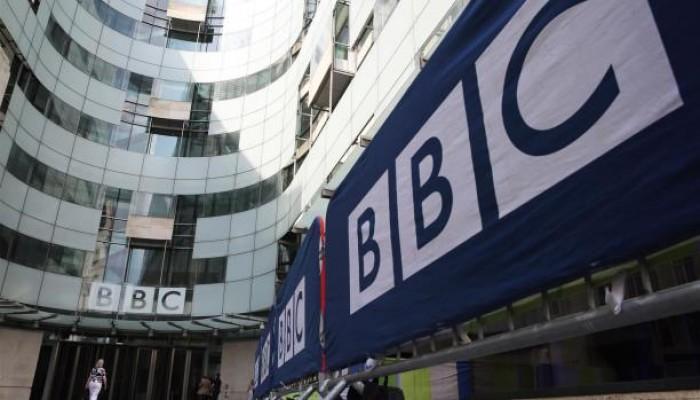 """""""BBC"""" تبدأ بث القرآن والحديث بمحطات إذاعية لـ""""ترابط المجتمع"""" في مواجهة """"كورونا"""""""