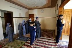 """""""ركن الصلاة"""" نموذج مصمم لإضفاء البهجة الرمضانية على البيت بعد إغلاق المساجد"""