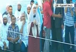 شاهد.. كلمة زوجة الرئيس الشهيد مرسي بعيد الفطر من على منصة رابعة العدوية