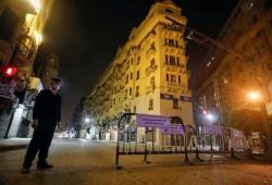 رغم التحذيرات الأممية مصر تلحق بدول عربية وترفع حظر التجوال
