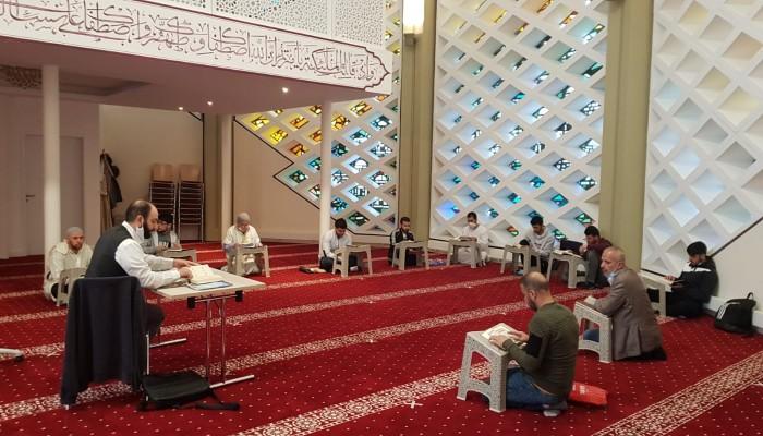 """عودة دروس المسجد بألمانيا لـ""""الكبار"""" مع استمرار دروس الأطفال عبر الإنترنت"""