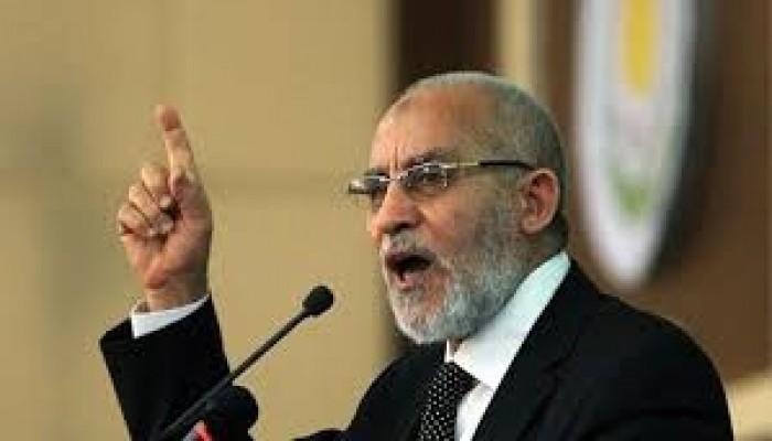 """صاحب """"سلميتنا أقوى من الرصاص"""".. د. بديع العالِم الثوري الصامد وسادس حكم مؤبد"""