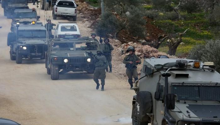 حملة اعتقالات بالضفة.. ومواجهات مع قوات الاحتلال الصهيوني