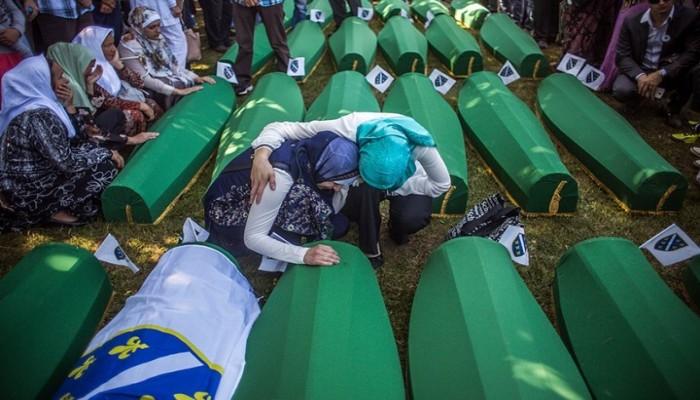 دروس من مذبحة سريبرينيتسا التي أنهت الصراع البوسني وكشفت عن الإبادة الجماعية