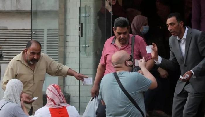 """حملة إلكترونية تطالب بالإفراج عن أطباء معتقلين على خلفية تعبيرهم عن آرائهم حول """"كورونا"""""""