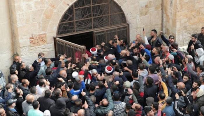 """""""حماس"""" تحذر: أي مساس بالأقصى سيشعل الحرب وسيدفع العدو الثمن من دمه"""
