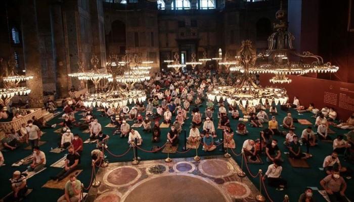 تركيا.. الآلاف يؤدون صلاة العيد في آيا صوفيا