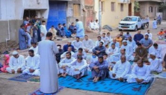رغم تعسف الانقلاب.. مصريون أدوا صلاة عيد الأضحى رغم كورونا