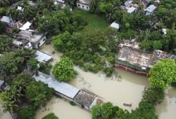 مصرع المئات في الهند ونبيال.. والفيضانات تغمر ثلث مساحة بنجلاديش