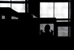 وفاة طالب بالتعذيب.. وحبس 17 معتقلا 23 عاما