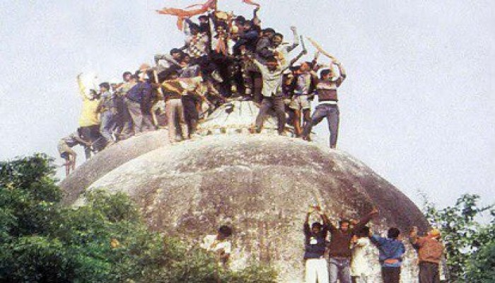 معبد هندوسي على أنقاض مسجد بابري.. أين المتباكون على آيا صوفيا؟